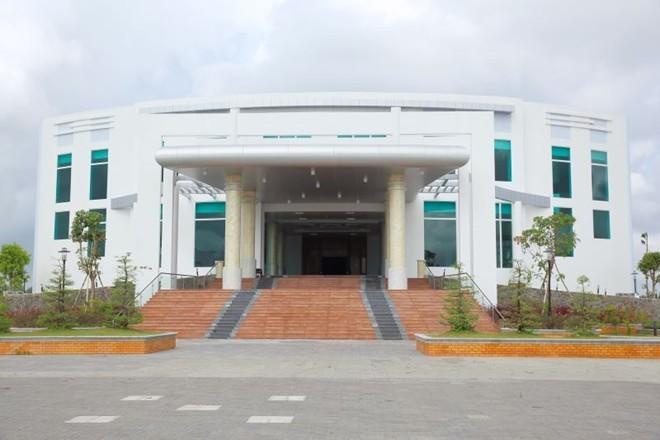 Hội trường tỉnh Cà Mau