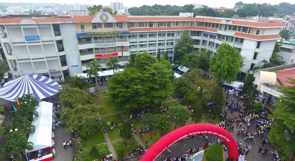 College of Finance and Customs
